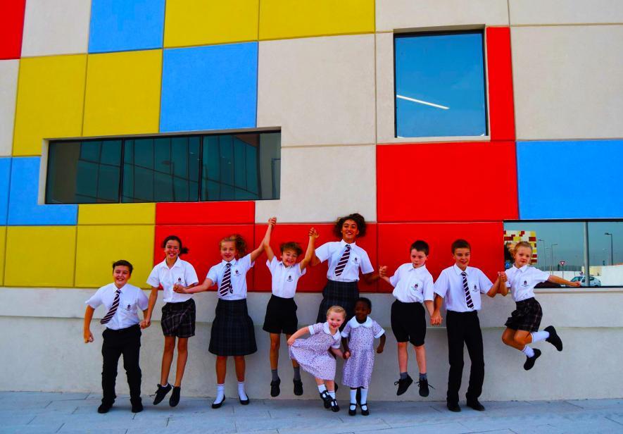 Школы в оаэ виза в дубай фото